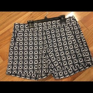 Women's J Crew shorts size 4 blk/wht preloved